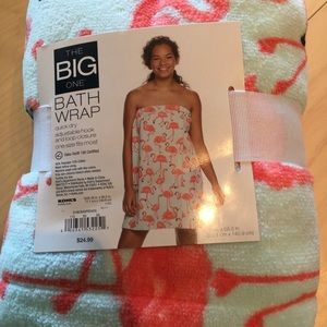 The Big One Bath Wrap NWT Flamingos
